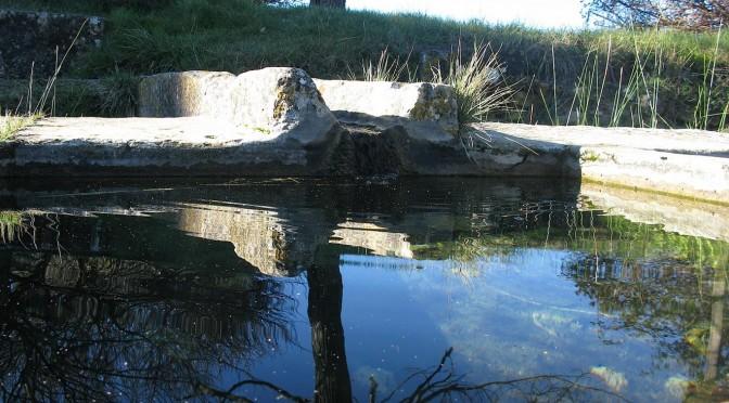 Lavoir du plan de Gattigues, au fil de l'eau