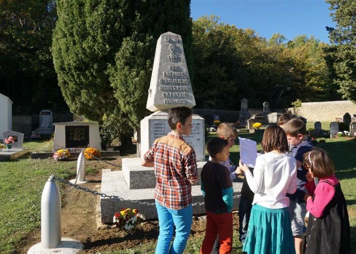 le monument aux morts d'Aigaliers