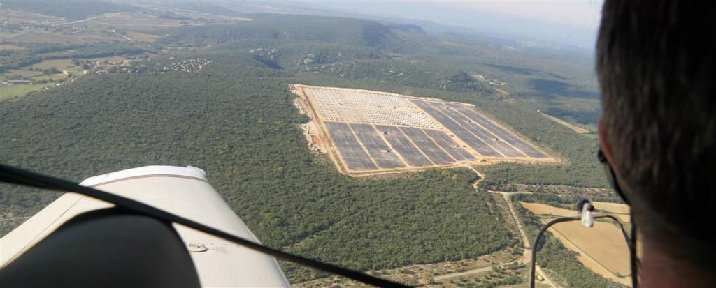 survol du parc photovoltaïque
