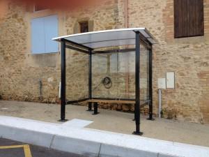 L'abri bus à Gattigues