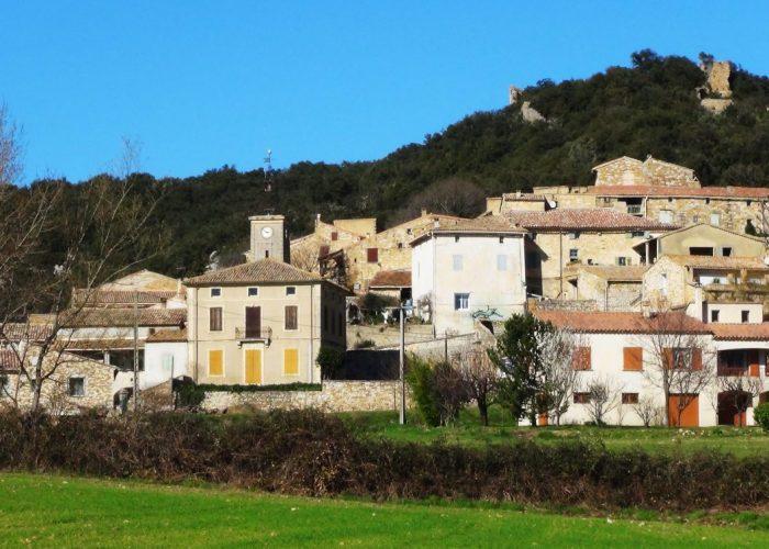 Aigaliers -Village avec l'ancien presbytère